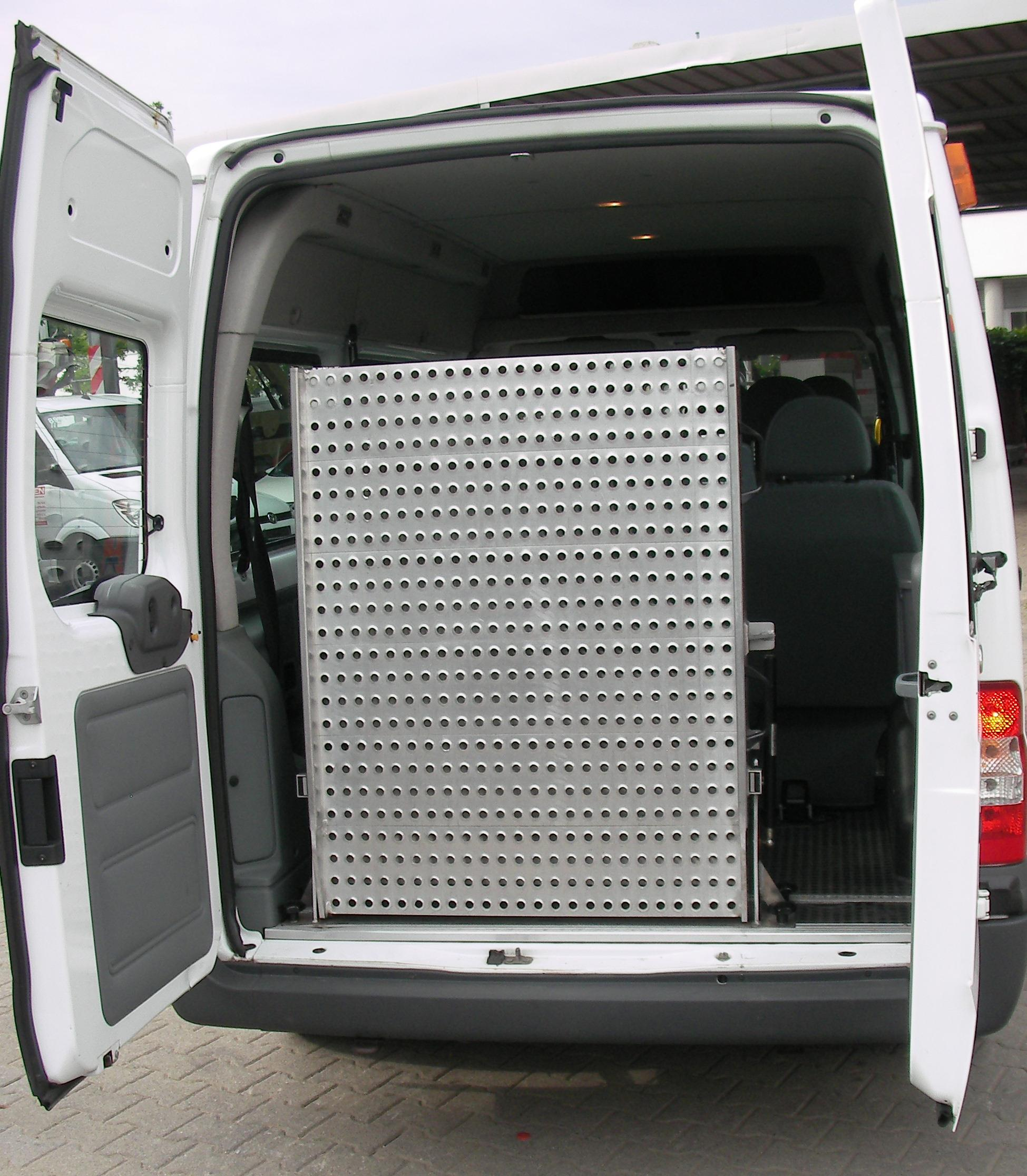btw ford transit t300 behindertentransporter 9 sitzer. Black Bedroom Furniture Sets. Home Design Ideas
